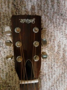 Headstock Tetomas Guitar